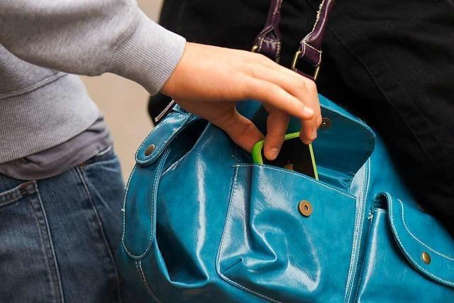In den Einkaufscentern von Weil werden mehr Taschendiebstähle registriert