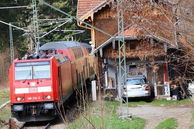 Verwaister Bahnhof im Höllental soll verkauft werden