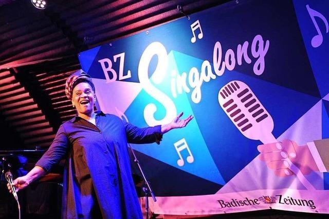 Fotos: Von Sinatra bis Reinhard Mey – BZ-Singalong in Freiburg