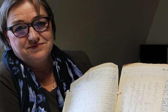 Schriftstellerin recherchiert im Emmendinger Tagebucharchiv für ihren neuen Roman