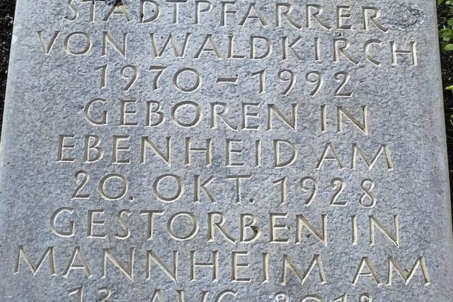 Zehn verschiedene Grabformen