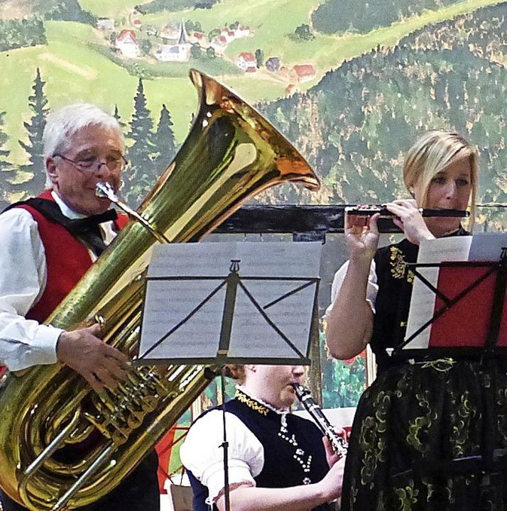 Monja Schonhardt und Hans-Peter Pfaff ... ein  Solostück   für Flöte und Bass.     Foto: Privat