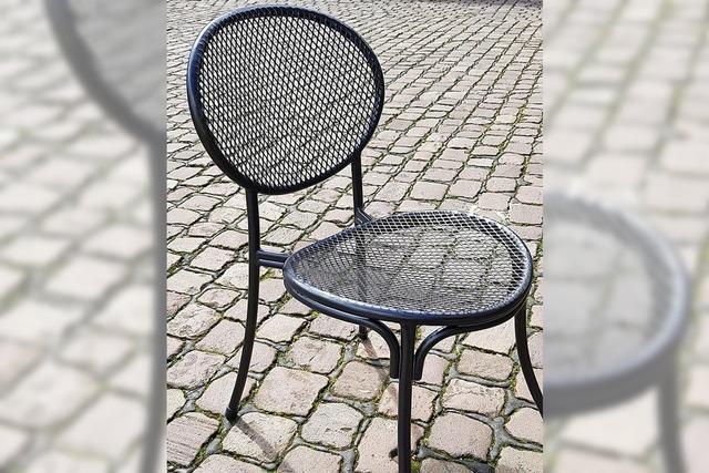 MARKTPLATZ 11: Neue Stühle für das Wohnzimmer