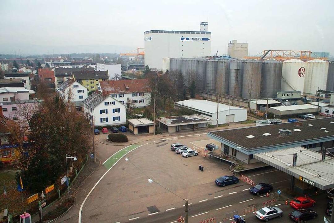 Die Tanks reichten bis an die Wohnbebauung in Friedlingen heran. (Archivfoto)    Foto: Frey