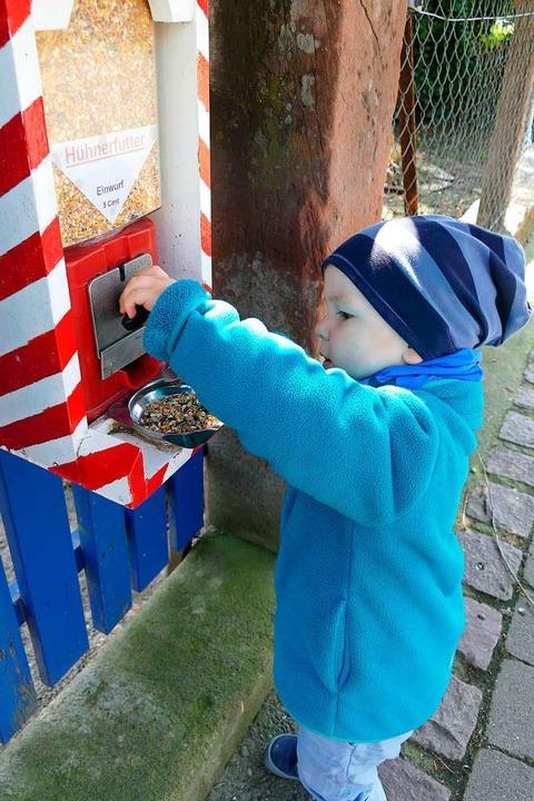 Mit fünf Cent ist Carlo dabei und eine...ieselt aus dem Automaten in Ettenheim.  | Foto: Ulrike Derndinger