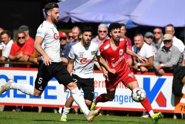 Bahlinger SC klettert nach 3:0 gegen Villingen an die Spitze