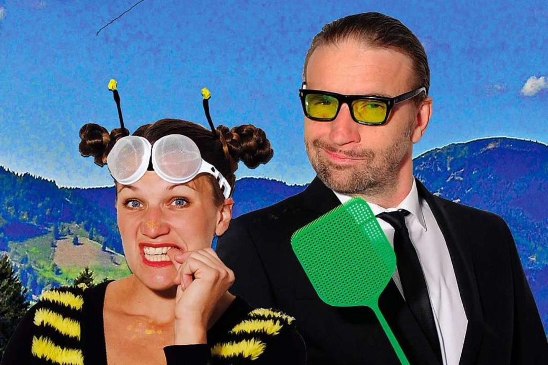Antonia Tittel und  Arnd Heuwinkel wol...rnstes Thema als Persiflage aufziehen.  | Foto: Theater in den Bergen