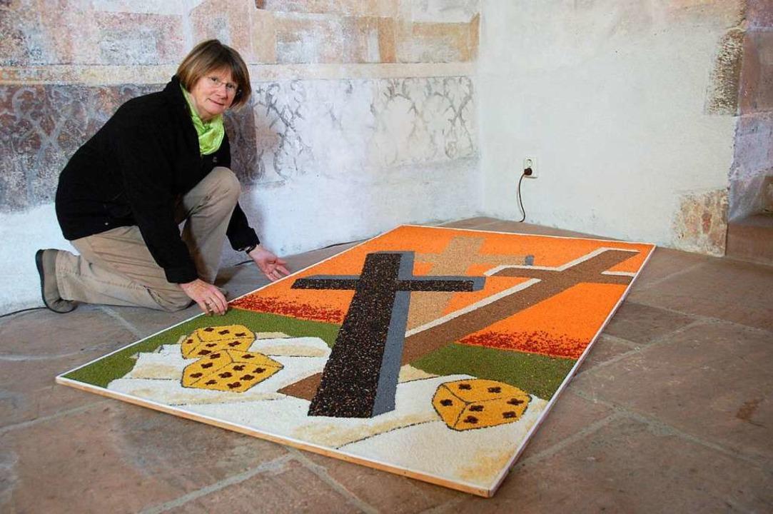 Das Bild von 2012 zeigt Verena Wilmer ...örnerbild in der Kirche in Blansingen.    Foto: Herbert Frey