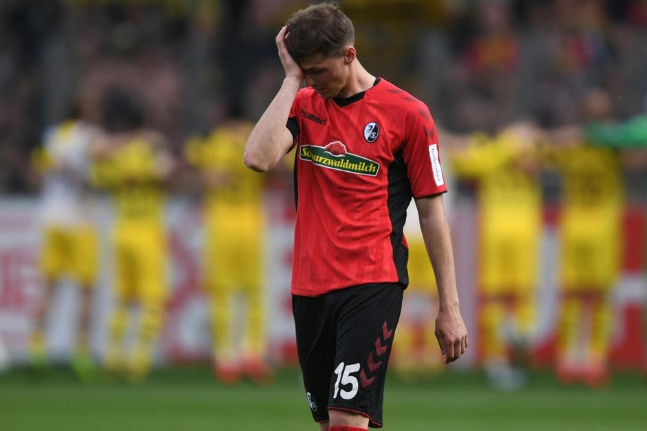 April 2019: Gegen den Tabellenzweiten aus Dortmund spielt Freiburg nicht schlecht, muss sich aber der individuellen Klasse der Dortmunder geschlagen geben. 0:4 endet das Spiel. (Foto: dpa)