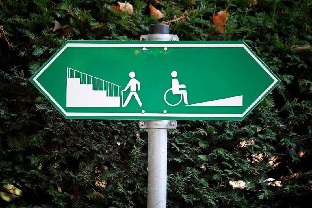 Der Staat hilft jenen, die Menschen mit Behinderung einstellen.   | Foto: DPA