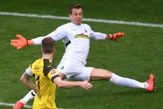 SC-Keeper Schwolow ist beim 0:4 gegen Dortmund machtlos