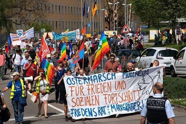 Aktivisten trafen sich zum Ostermarsch für Frieden und Abrüstung in Müllheim