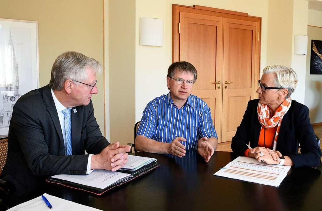 Beim BZ-Gespräch über die indigenen Sc...Backofen im Rektorat der Uni Freiburg.  | Foto: Thomas Kunz