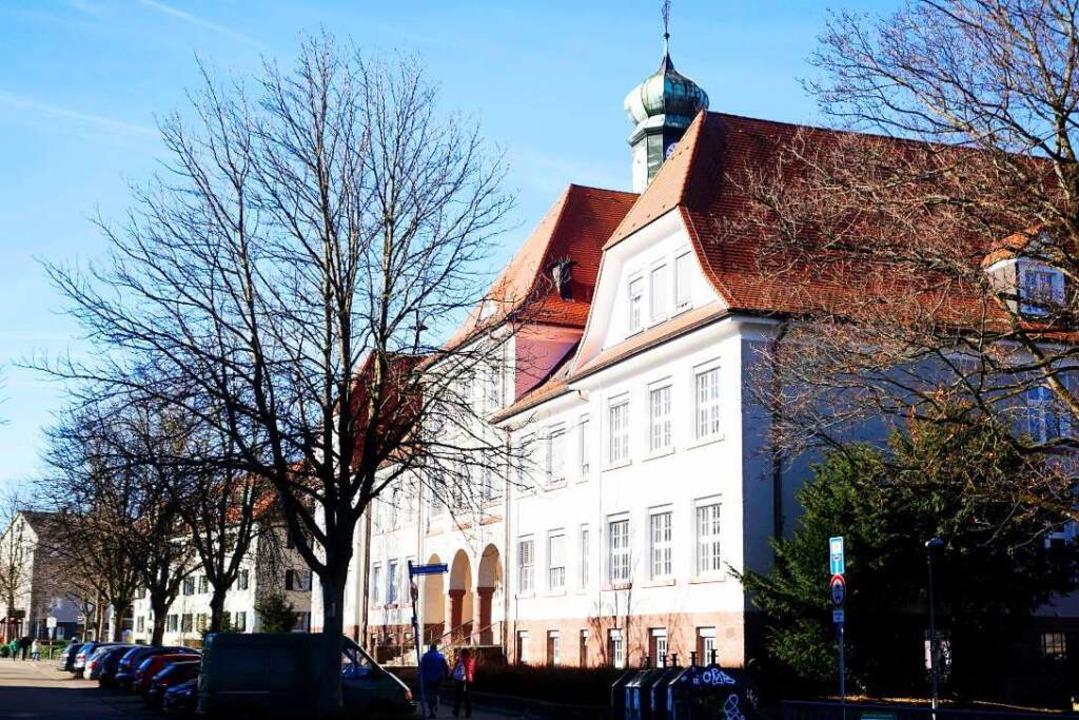 Blick auf die Pestalozzi-Schule heute.  | Foto: Arnd Henke