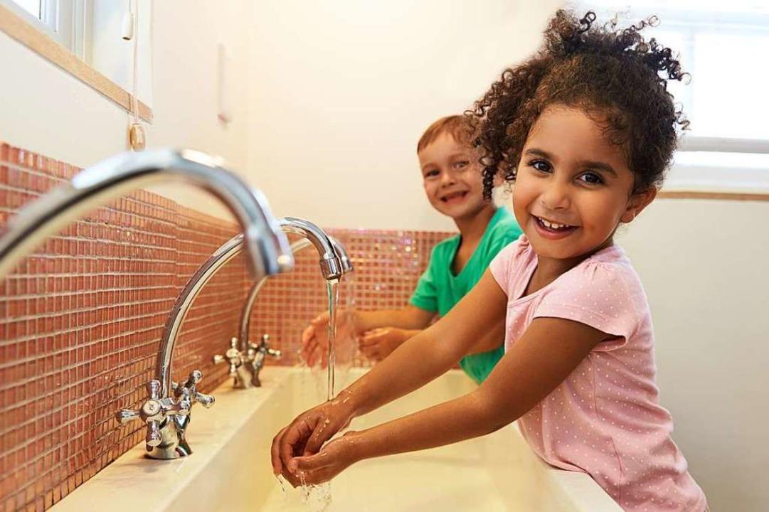 Im Hygieneleitfaden des Landes ist bei...chbecken zur Verfügung stehen müssen.   | Foto: monkey business (stock.adobe.com)