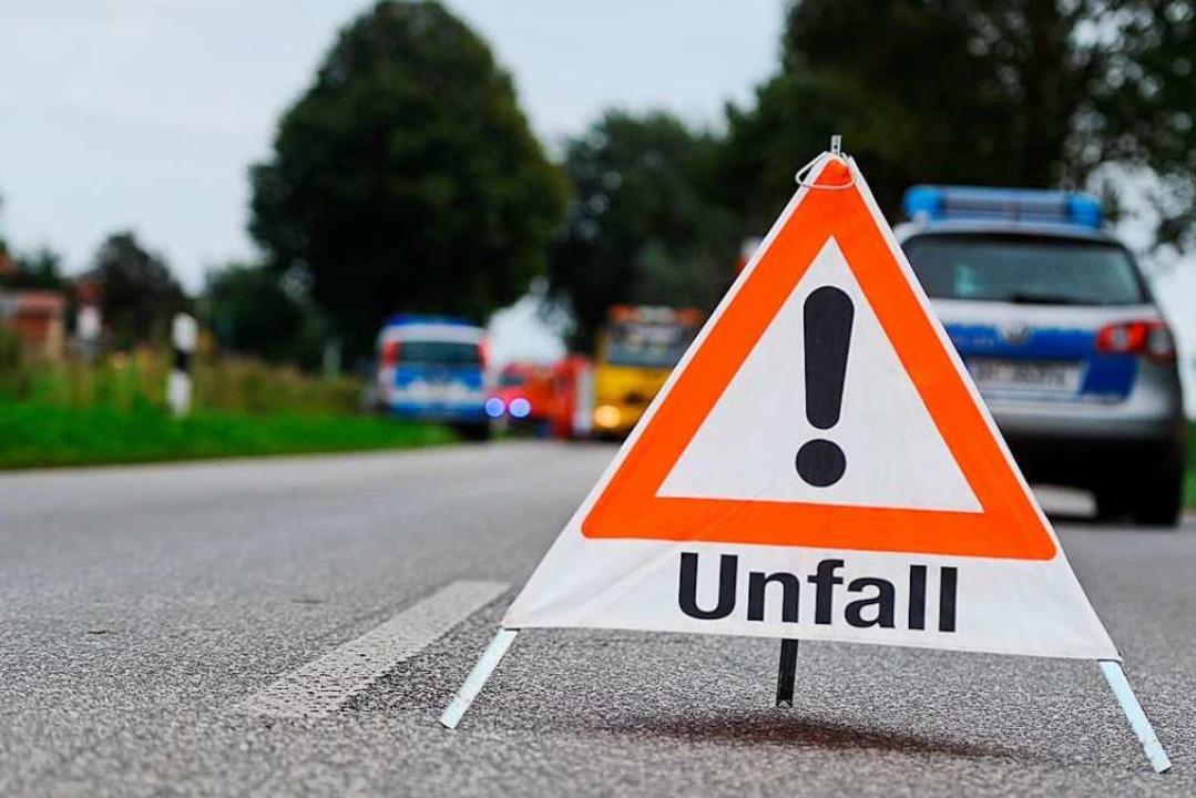 Der Unfall geschah am Ostersamstag auf der L123 (Symbolbild).  | Foto: benjaminnolte - stock.adobe.com