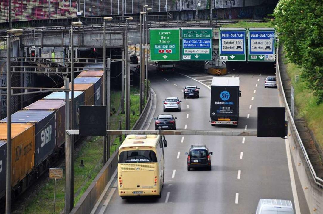 Basel will den Verkehr auf den Hauptachsen bündeln.  | Foto: Daniel Gramespacher