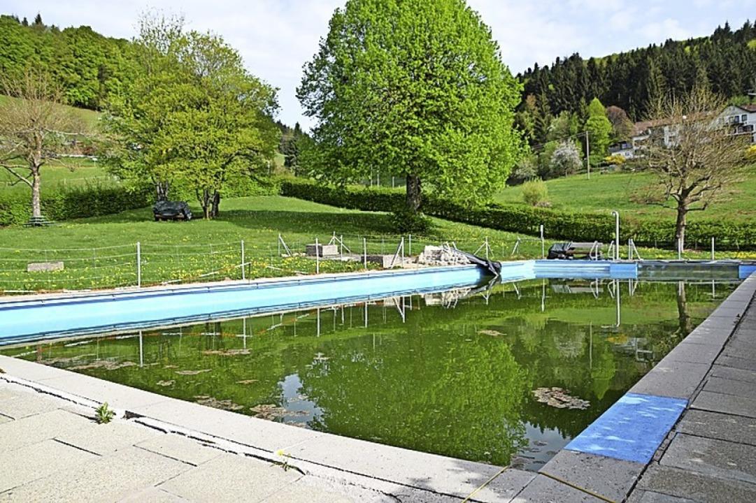 Das Schweigmatter Bad braucht fleißige Helfer für den Großputz.     Foto: Archivfoto: Stefan Ammann