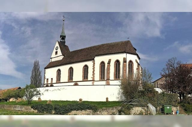 Freier Blick auf St. Chrischona-Kirche