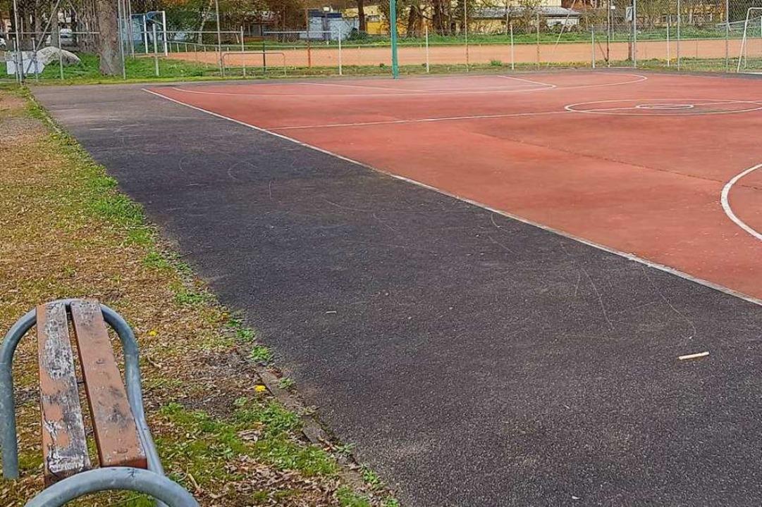 Nicht nur der Umkircher Basketballplat...en zum Jugendtreff aufgewertet werden.  | Foto: Julius Wilhelm Steckmeister