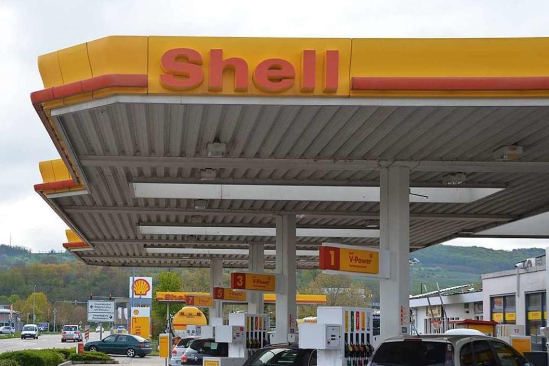 Die Shell-Tankstelle in Binzen ist überfallen worden (Archivbild).    Foto: Victoria Langelott