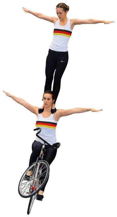 Sophie-Marie Nattmann und Caroline Wurth (oben) beim Training  | Foto: Jannik Jürgens