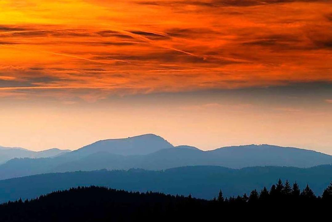 Der Belchen im Sonnenuntergang ist einer der Kraftorte.  | Foto: Birgit-Cathrin Duval