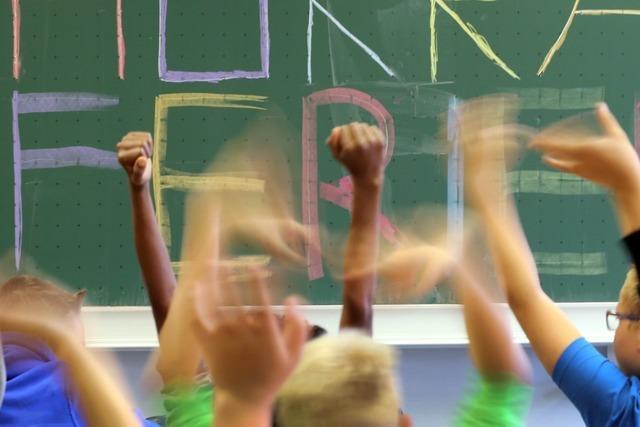 Späte Pfingstferien bringen viele Schulen in terminliche Nöte