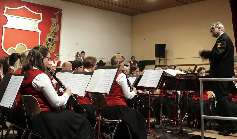 Auch unter ihrem neuen Dirigenten Sieg...Osterkonzert ihr gewohnt hohes Niveau.  | Foto: Claudia Müller