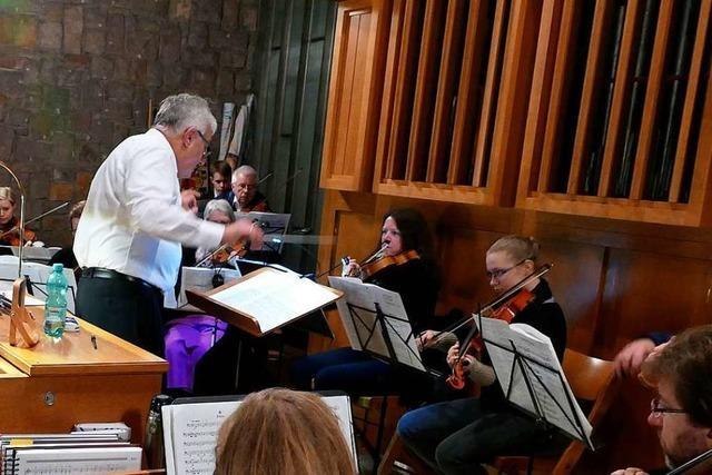 Klaus Kunzmann dirigiert seit zehn Jahren den Orchesterverein Bad Säckingen