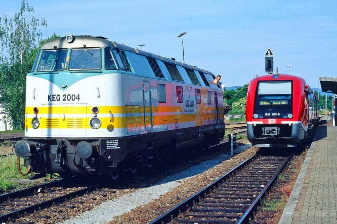 Als seltener Gast kam diese Ost-V 180 ...links) im Jahre 2004 nach Rheinfelden.  | Foto: Rudolf Schulter