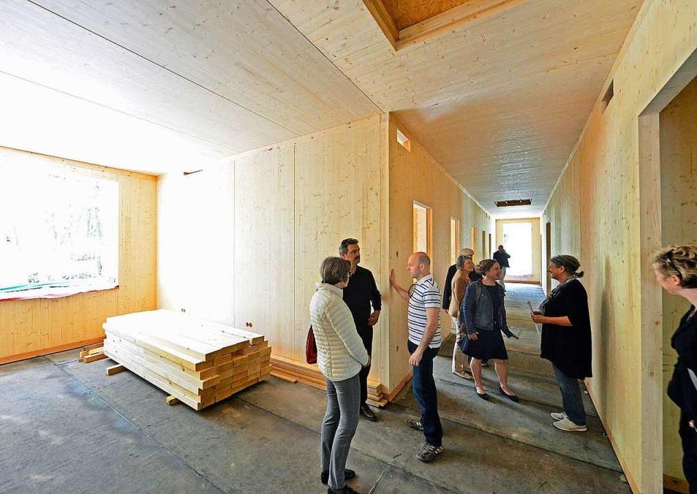 Die neue Kita wird komplett aus Holz gebaut.  | Foto: Michael Bamberger