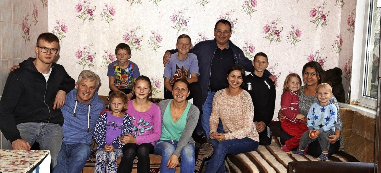 Bei der  25. Reise von Hans-Peter Fisc...tzung von der Ukraine-Hilfe erhalten.   | Foto: Hans-Peter Fischer