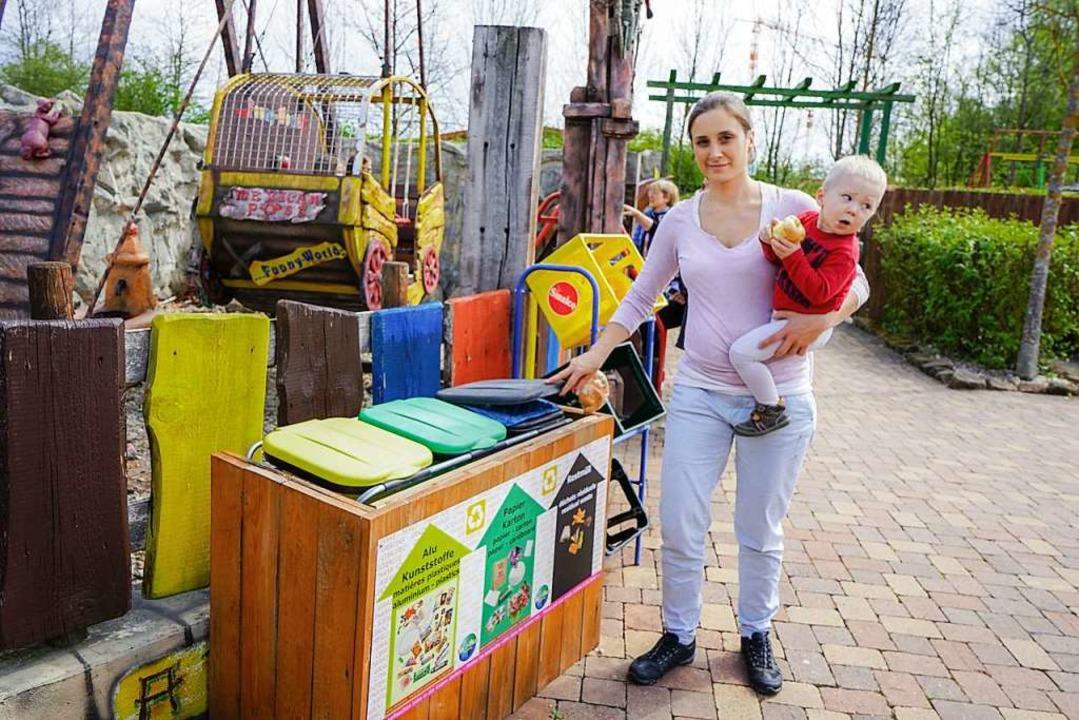Stéphanie Corveleyn, im Park fürs Mark...l im Park verteilt aufgestellt wurden.  | Foto: Sandra Decoux-Kone
