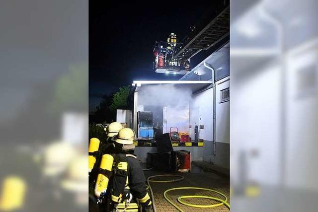 Der Anbau des Netto-Markts brannte am Freitag