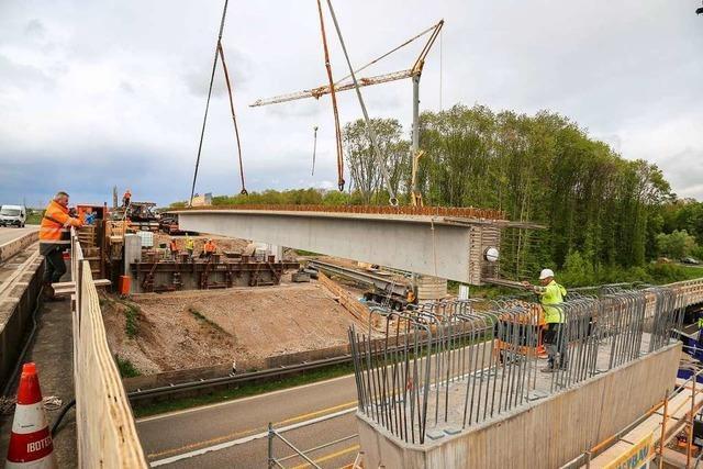 Brückenbau bei Rust verursacht am Samstag kilometerlange Staus auf der Autobahn