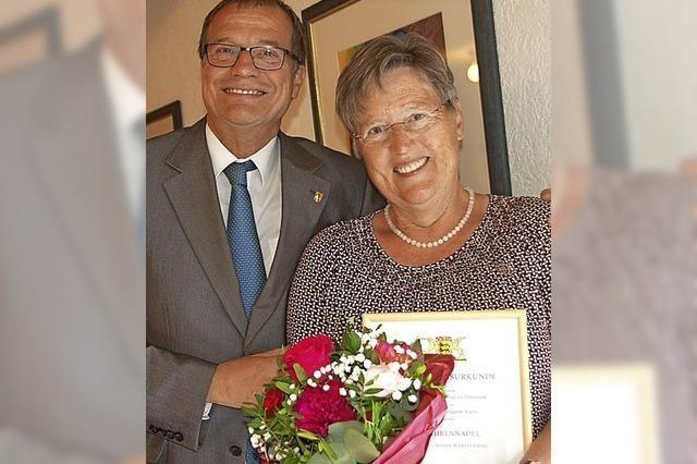 Ehrennadel des Landes für Heidi Kuny