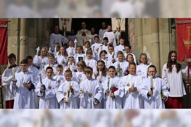 Kinder feiern Heilige Erstkommunion