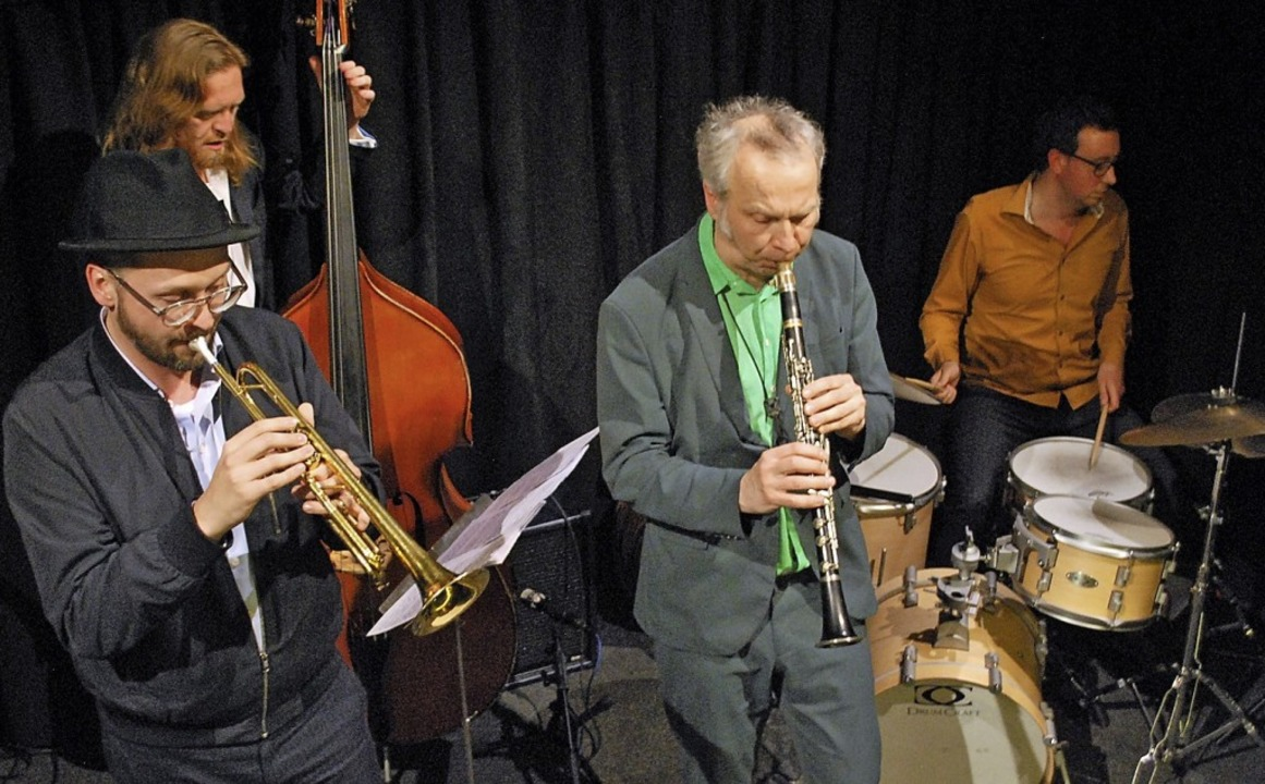Tomasz Dabrowski, Andreas Lang, Rudi M... links) bilden das Jazz-Quartett Fusk.  | Foto: Thomas Loisl Mink