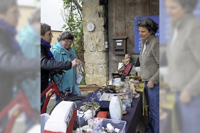 Beim Flohmarkt ein Dorf erleben
