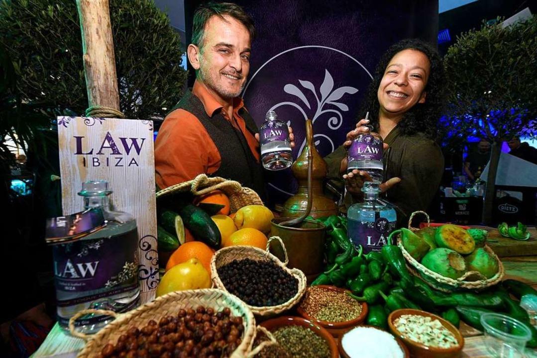 Nur Früchte von der Insel:  Brennmeist... Gogolla präsentieren einen Ibiza-Gin.  | Foto: Thomas Kunz