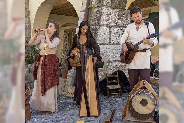 Urtümliche Lieder und heidnische Sagengeschichten mit der Formation Jensyts in der Kultschüür in Laufenburg/Schweiz.