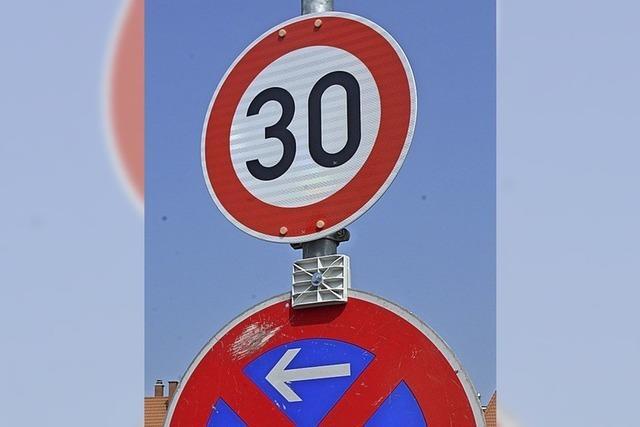 Stadtverwaltung: Tempo-30-Schild ist groß genug