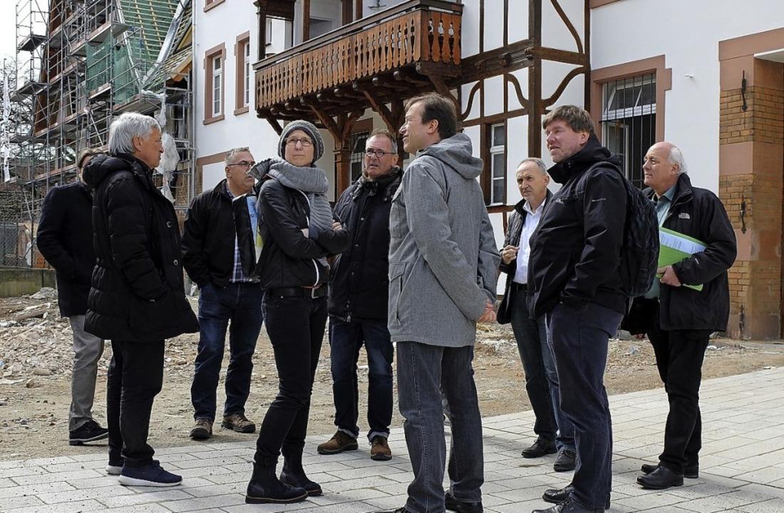 Abgeordnete des Arbeitskreises  Umwelt...gten den sanierten Gutshof in Gutach.   | Foto: Privat