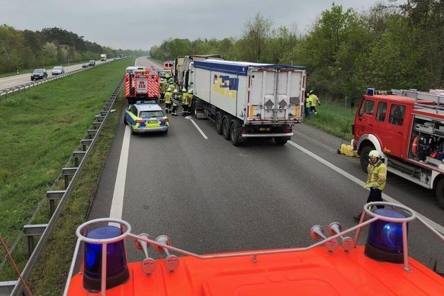 A 5 bei Neuenburg nach Unfall wieder frei