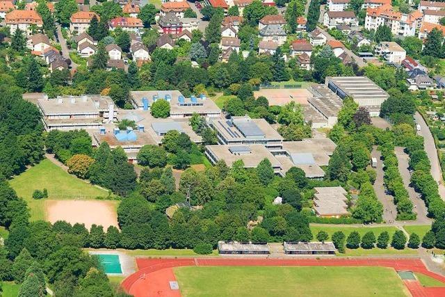 Stadt Freiburg kauft vier Reihenhäuser, um sie für die Staudinger-Gesamtschule abzureißen