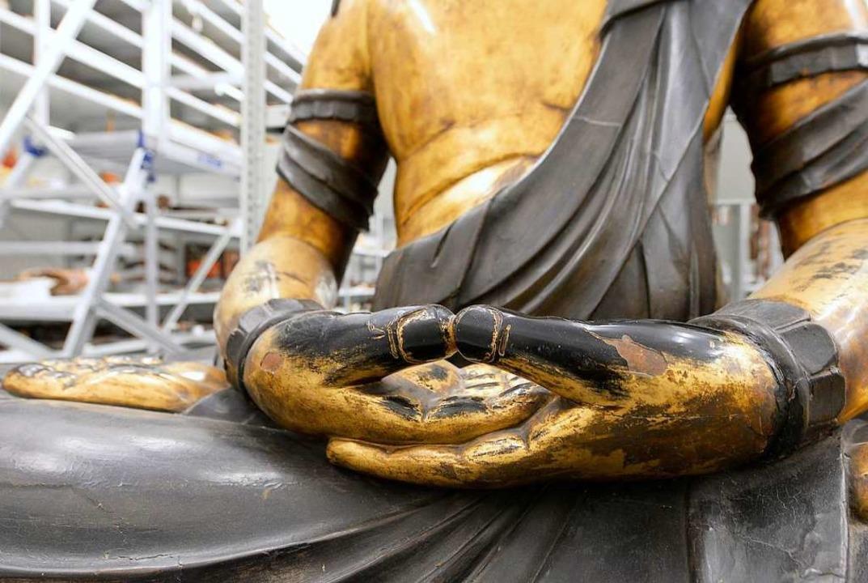 Die japanische Buddhafigur in der Ethn...ammlung des Museumsdepots in Hochdorf.  | Foto: Ingo Schneider