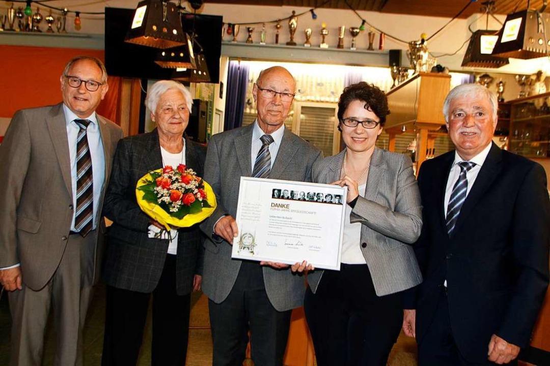 Einen ehrenvollen Tag hat der CDU-Orts...rsitzende Ewald Schaubrenner (rechts).  | Foto: Heidi Fößel