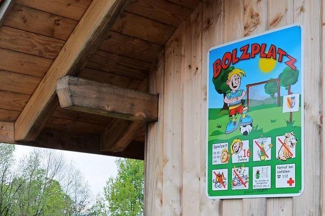 In Schopfheim gibt es Ärger um neue Verbotsschilder an den Bolzplätzen
