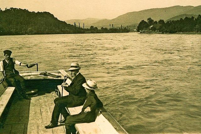 Rheinfähre ist wieder in Betrieb